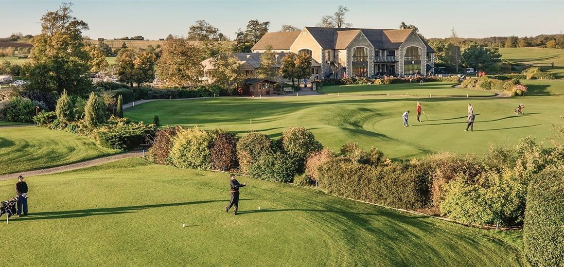 Clubhouse and course Cumberwell Park